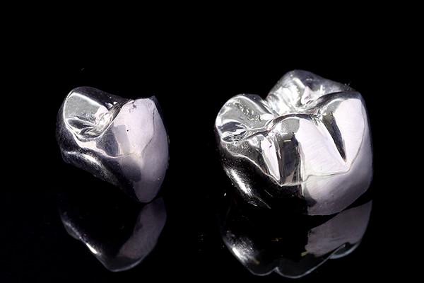 金属パラジウム